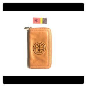 f4c2a9d35234 Tory Burch Bags - Tory Burch ananda zip continental wallet